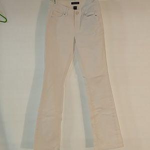 White house Black Market- white jeans (0133)